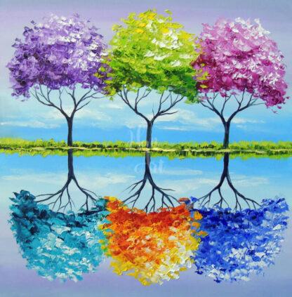 színes fák egymás mellett