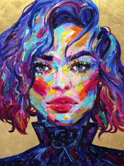 a kép tartalm: női arckép, színes foltok, piros, kék, lila